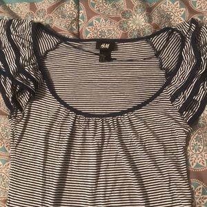 Like new H&M striped navy/white top w/ ruffles